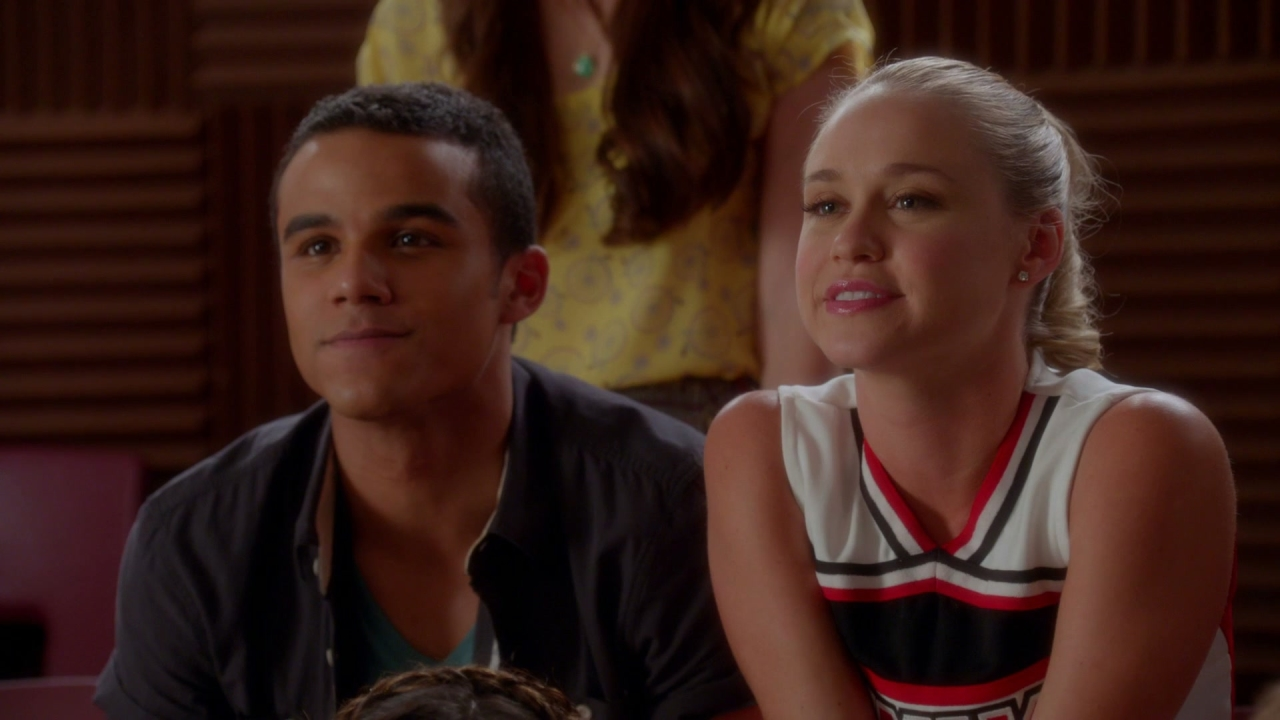 Glee: A lesson in Twerking