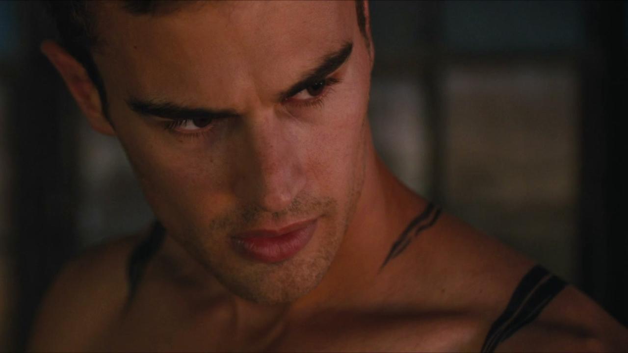 Divergent (Clip 1)