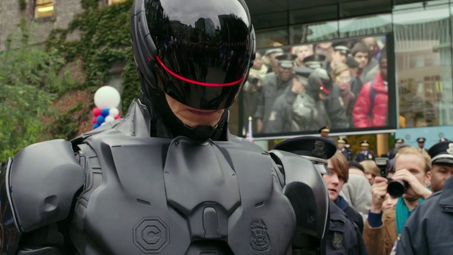 Robocop: Suit Up (Featurette)