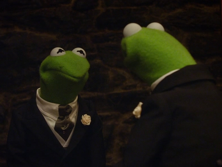 Muppets Most Wanted: Mirror