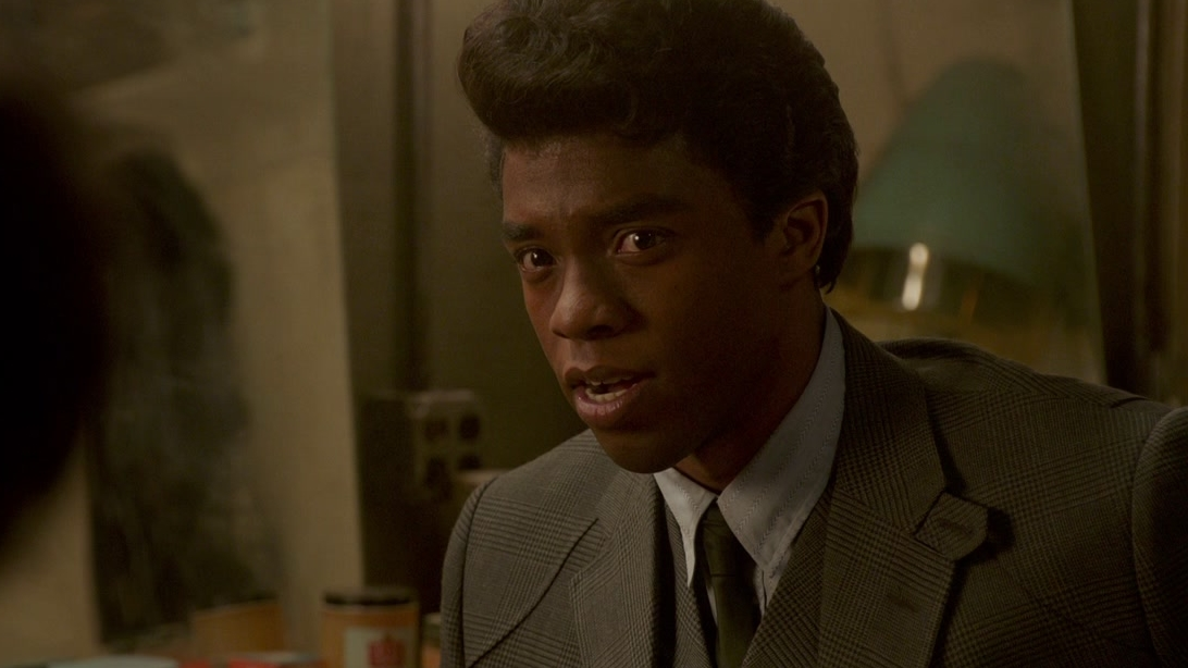 Get On Up: James Talks To His Mom In The Apollo Dressing Room
