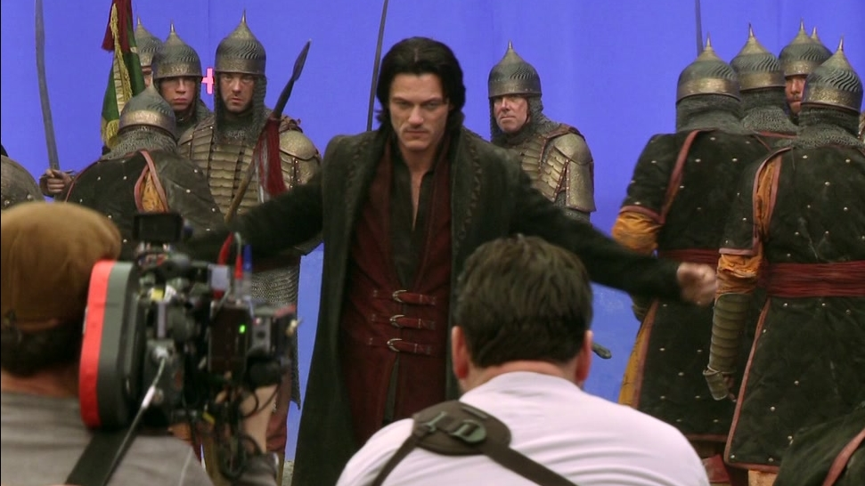Dracula Untold: A Day In The Life Of Luke (Featurette)