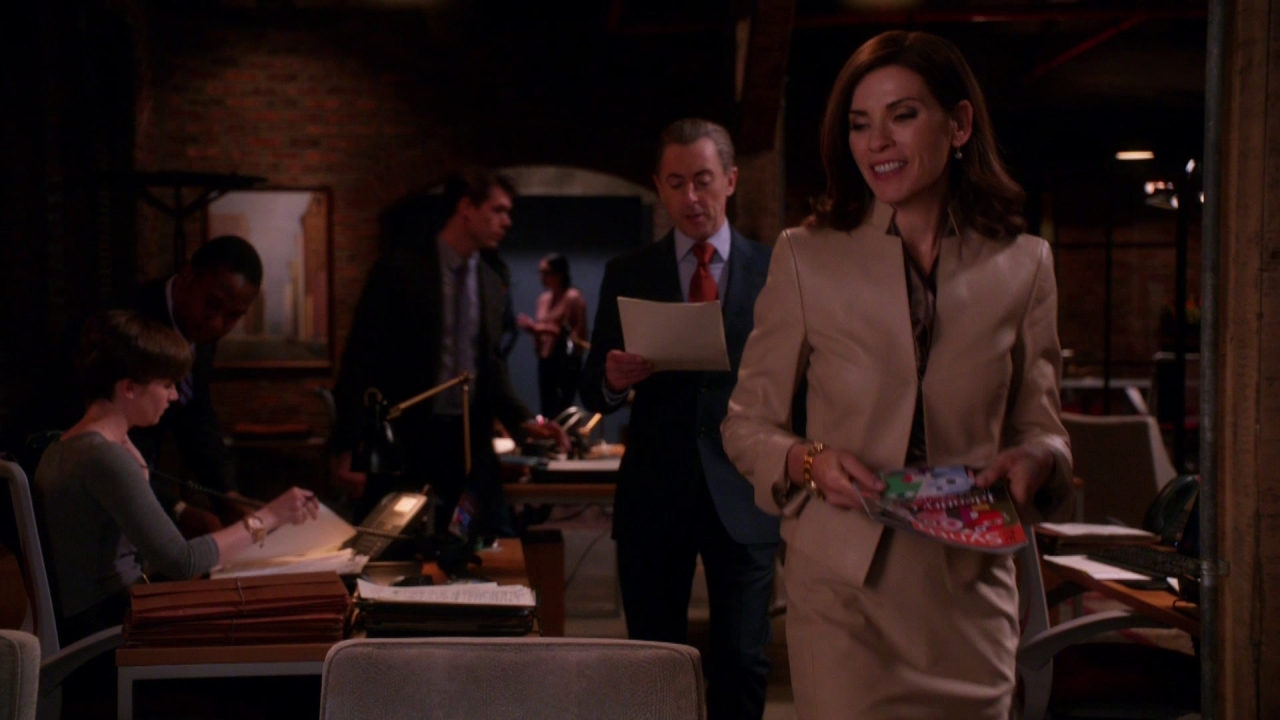 The Good Wife: Alicia Why Aren't You Answering Your E-Mail?
