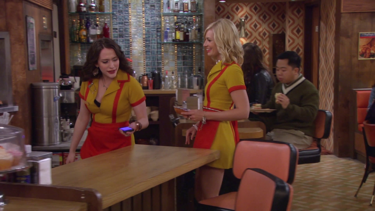 2 Broke Girls: And The Dj Face