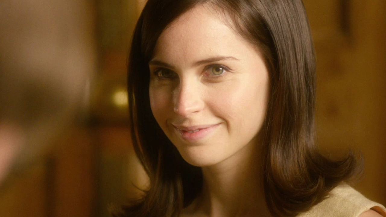 The Theory Of Everything: Meeting Of The Minds (Featurette)