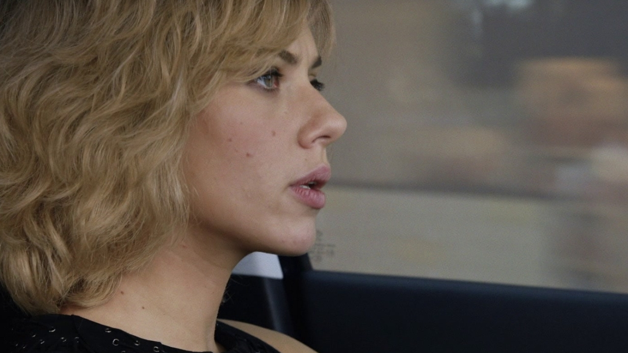 Lucy: Car Stunts