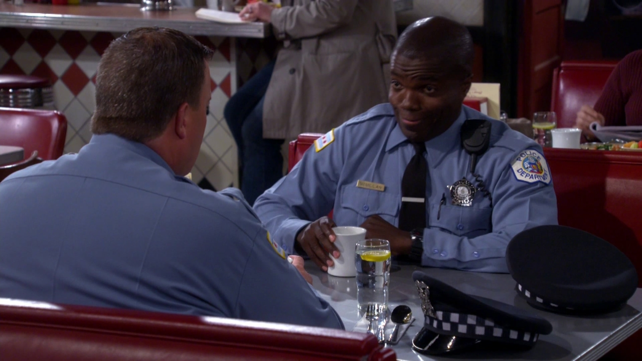 Mike & Molly: To Have And Withhold