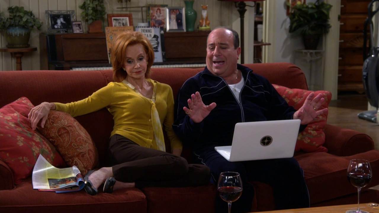 Mike & Molly: There He Is