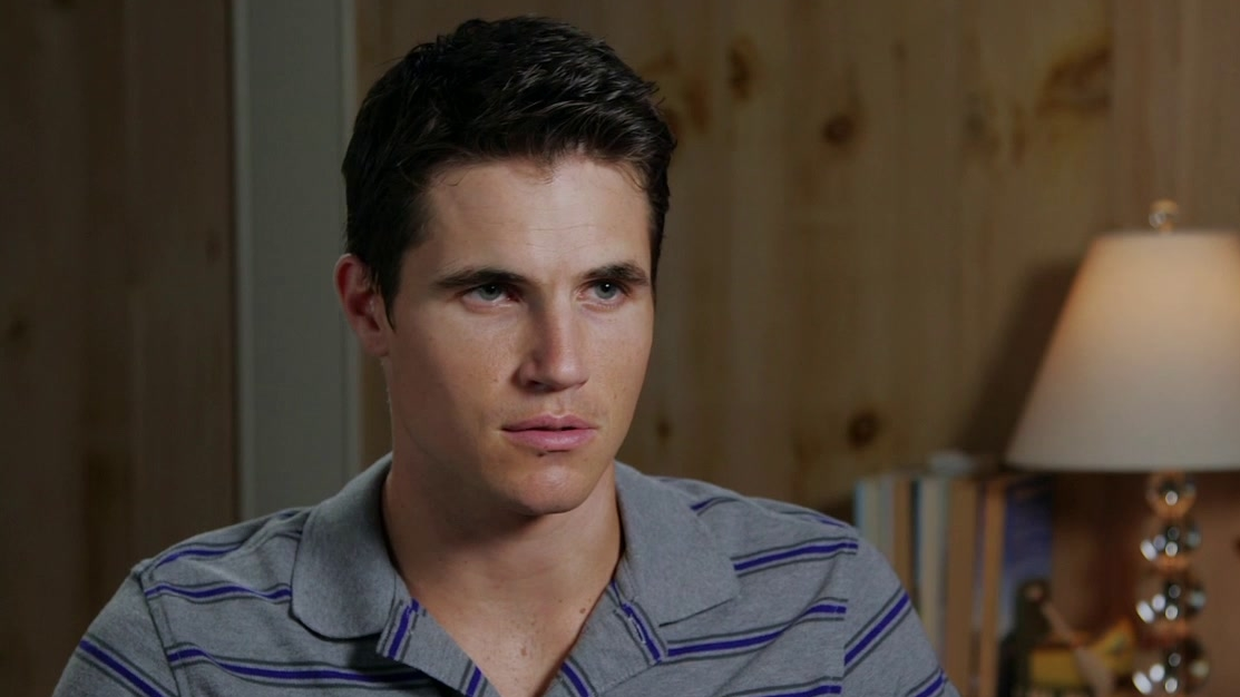 The Duff: Robbie Amell On His Character