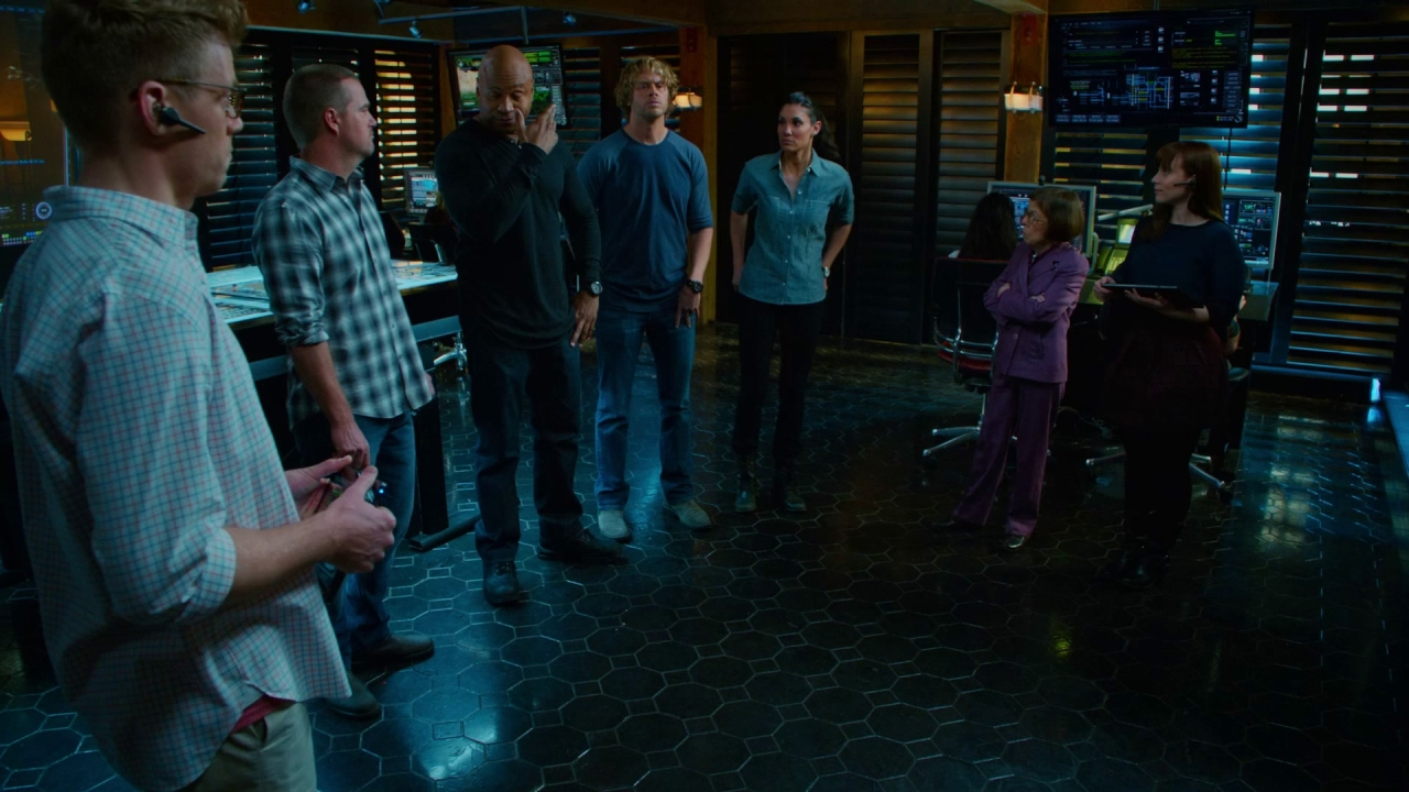 Ncis: Los Angeles: Fighting Shadows