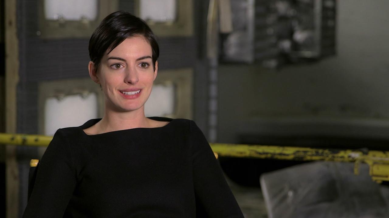 Interstellar: Matthew Mcconaughey And Anne Hathaway On Filming Zero-G