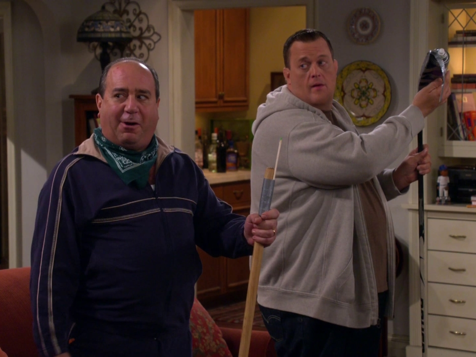Mike & Molly: Cocktails And Calamine