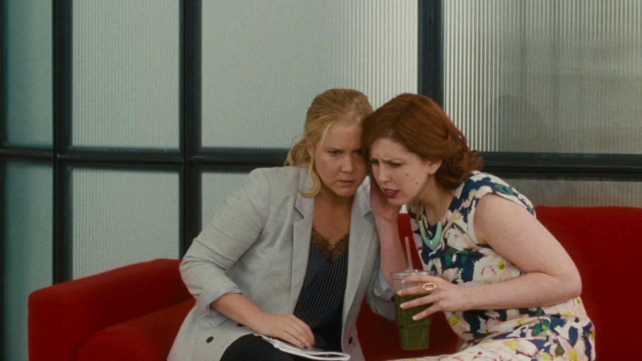 Trainwreck: Aaron Calls Amy To Ask Her Out