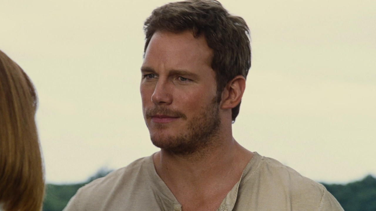 Jurassic World: Claire Asks Owen To Inspect The New Attraction