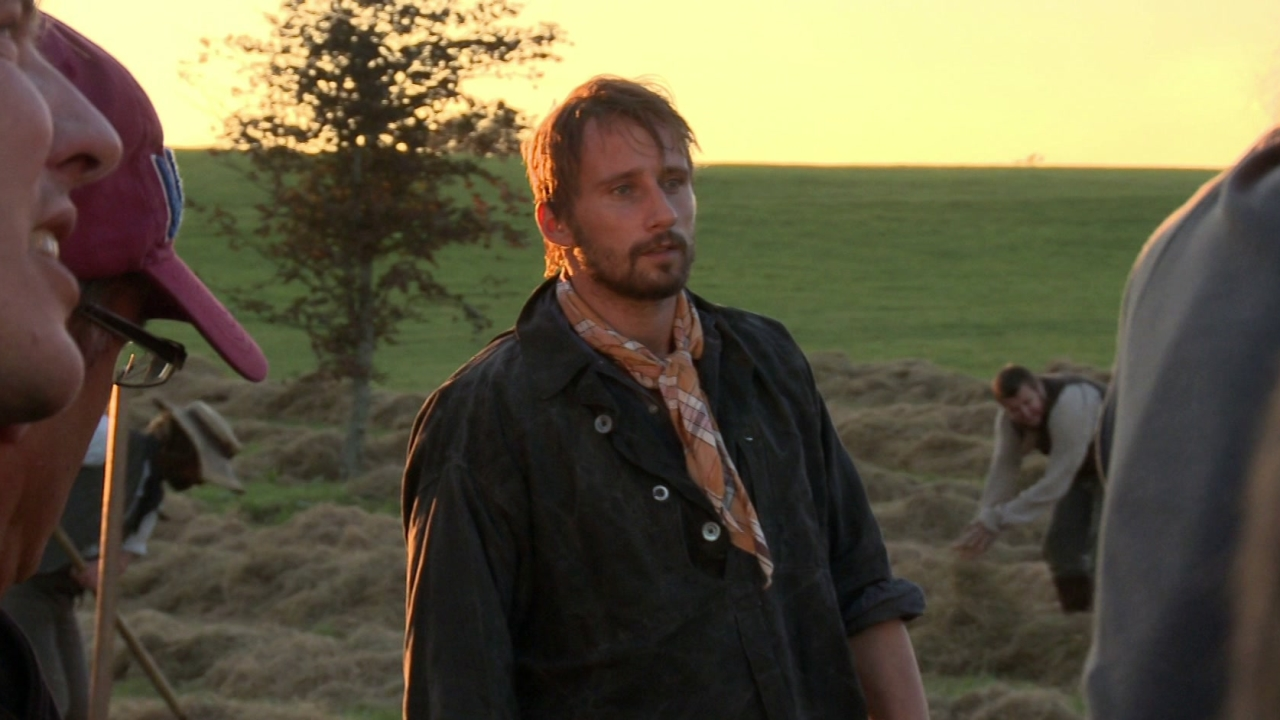 Far From The Madding Crowd: Suitors (Featurette)