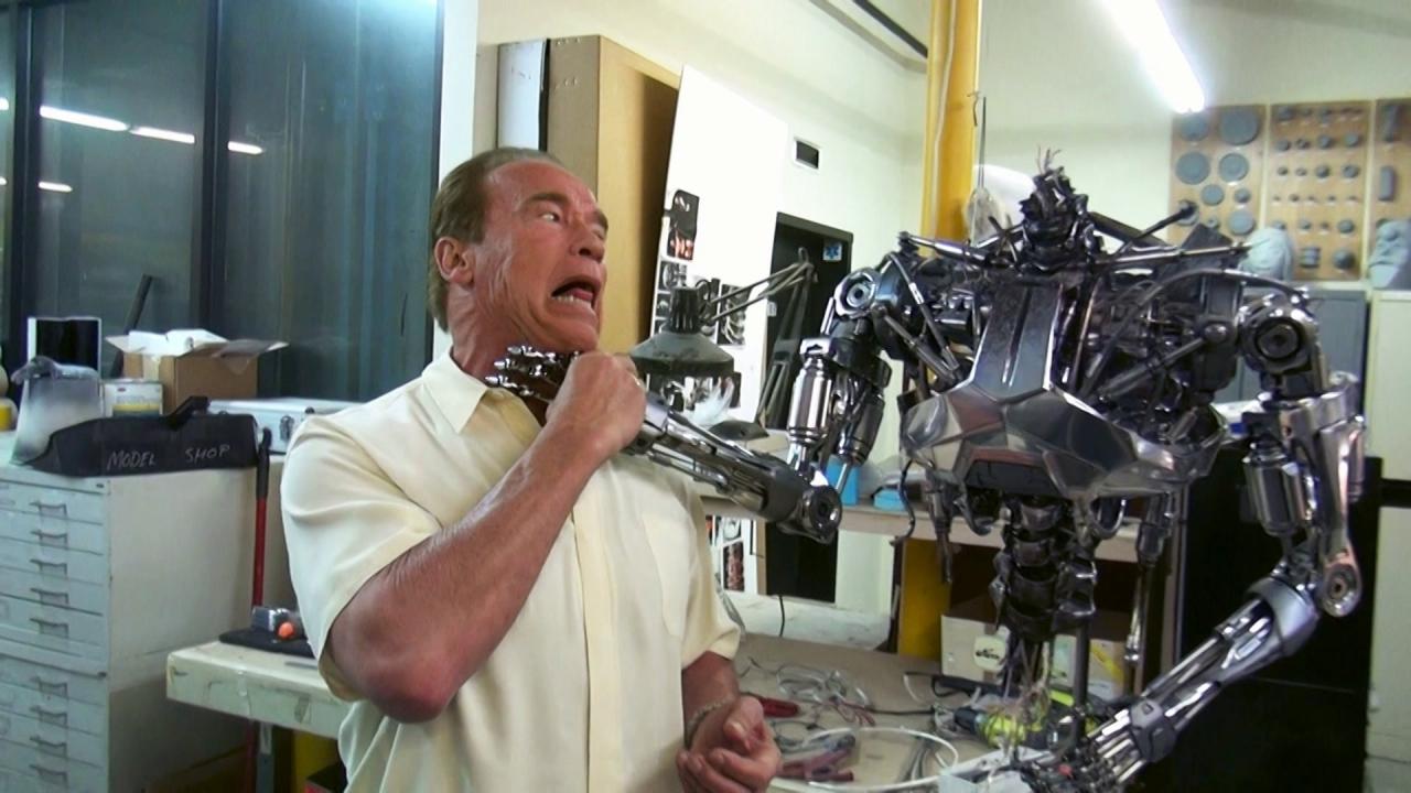 Terminator Genisys: Arnold Is Back (Featurette)