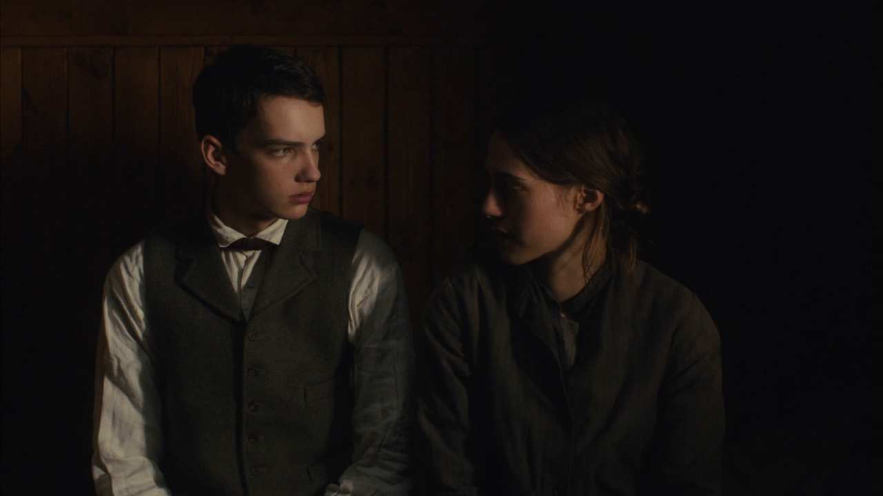 Slow West: Get Under The Bed