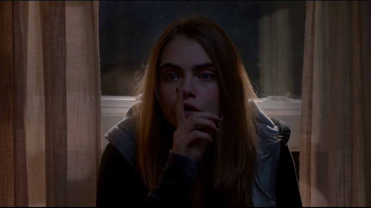 Paper Towns: Madly In Love (Featurette) (UK)