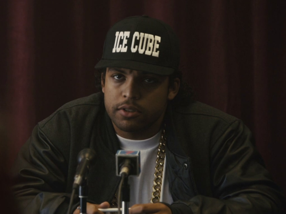 Straight Outta Compton: Fab 5 Freddy Playing Legends (Featurette)