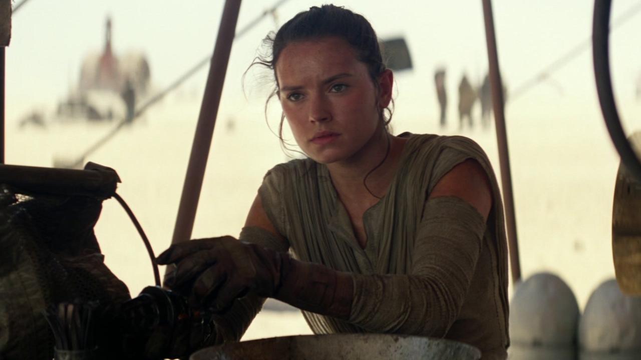 Star Wars: The Force Awakens (Hispanic Market Trailer)