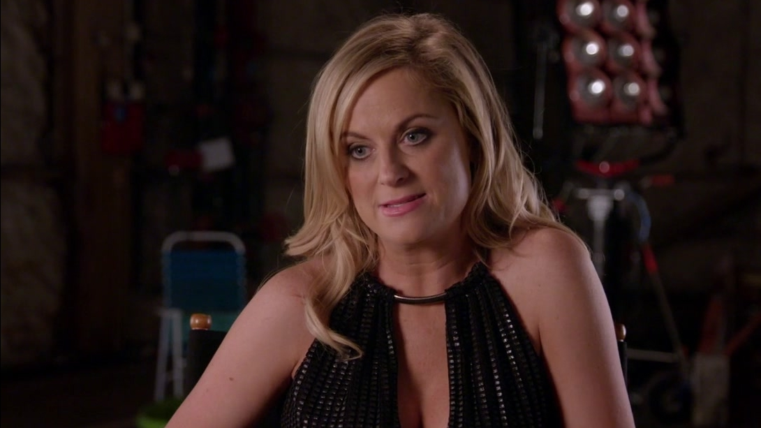 Sisters: Amy Poehler On The Theme