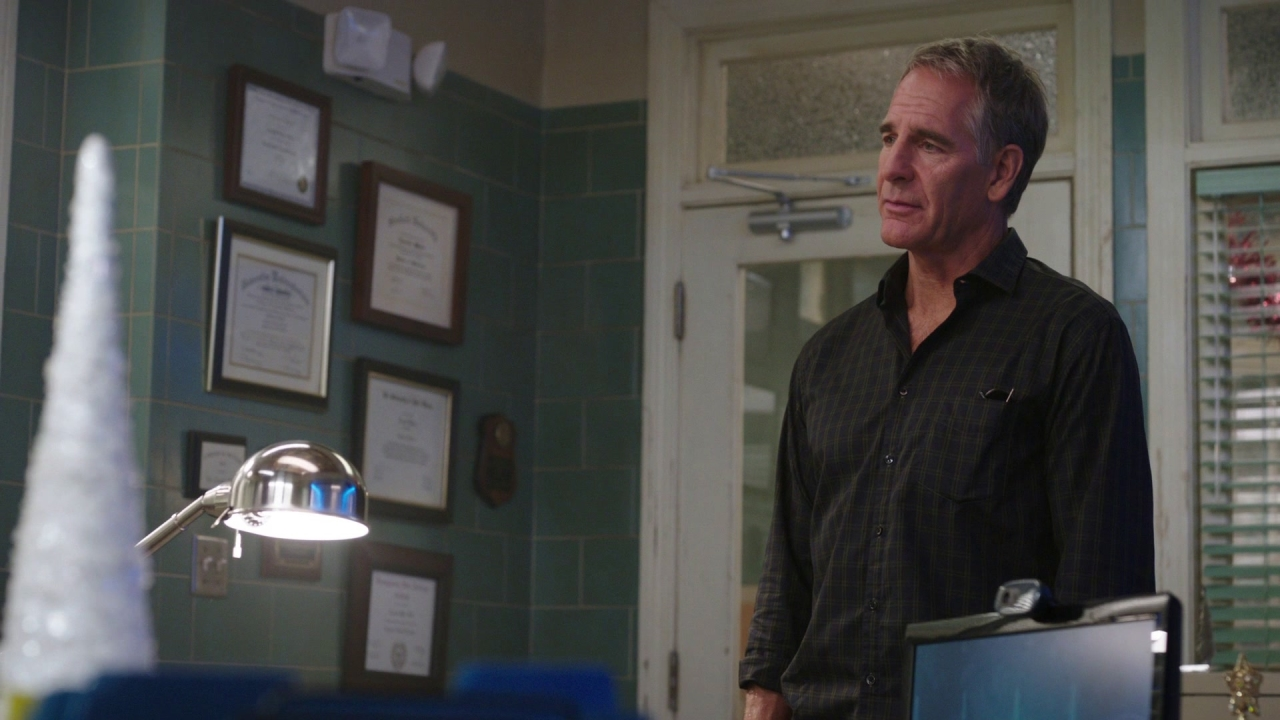 Ncis: New Orleans: Blue Christmas