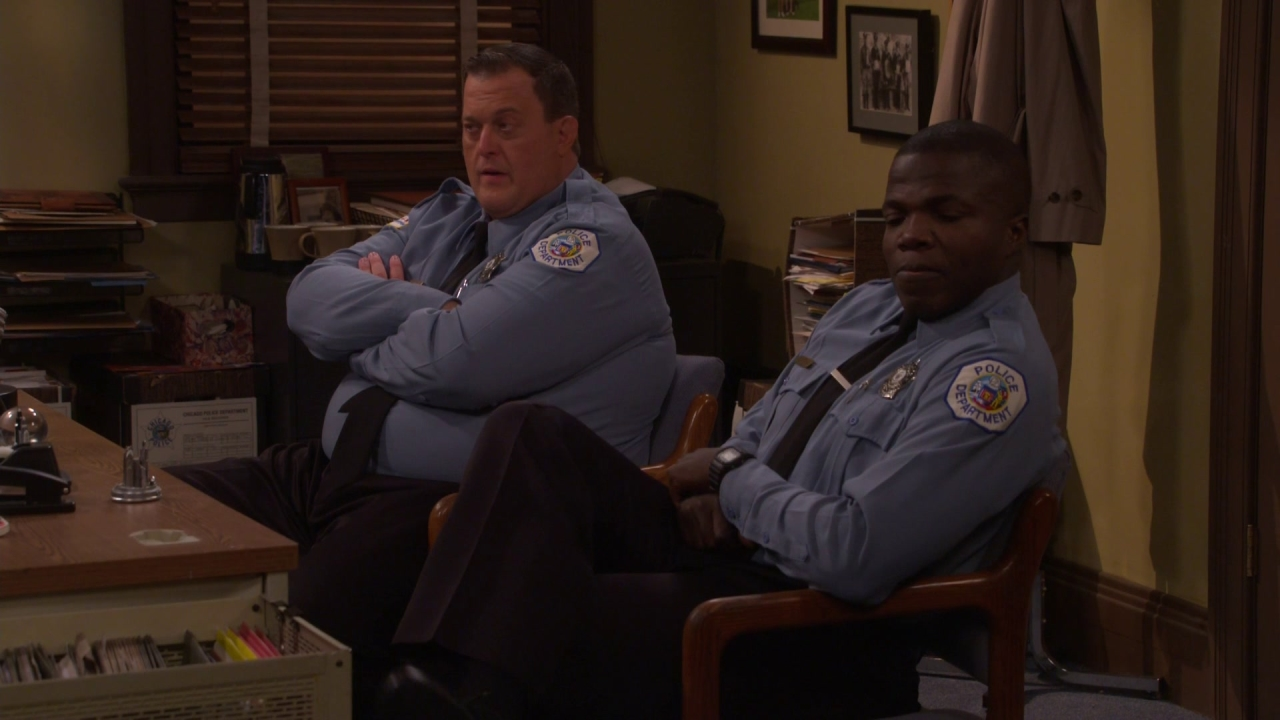 Mike & Molly: See What He Does