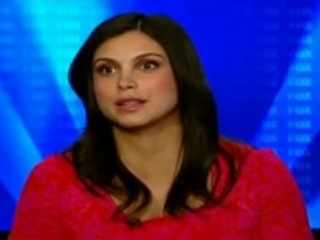 Gotham: Morena Baccarin On How The Look Of The Show Adds A Lot To The Experience