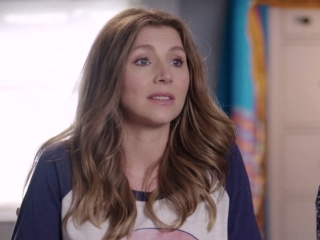 Mother's Day: Sarah Chalke & Cameron Esposito On Their Characters' Story Lines