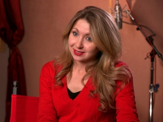 Florence Foster Jenkins: Nina Arianda On Her Character Agnes (US)