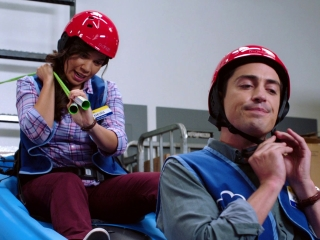 Superstore: Amy And Jonah Having Fun And Avoiding Work