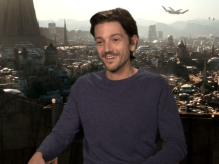 Rogue One: A Star Wars Story: Diego Luna On The First Days On Set