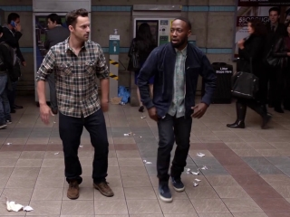 New Girl: Nick And Winston Perform For Money In The New York Subway
