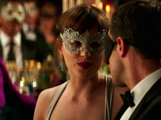 Fifty Shades Darker: Ana Bids On A Ski Trip At The Charity Auction