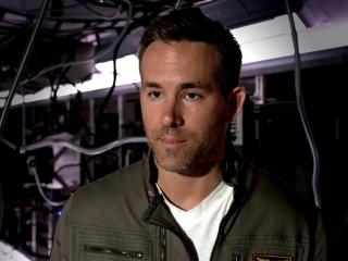 Life: Ryan Reynolds on the Mars life form (International)