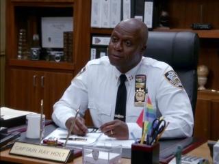 Brooklyn Nine-Nine: Terry Confesses A Little White Lie