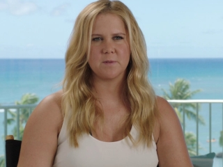 Snatched: Amy Schumer on Goldie Hawn returning to Film (International)