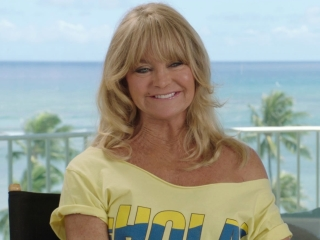 Snatched: Goldie Hawn on her awesome collaboration with Amy (International)