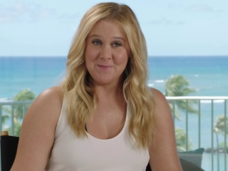 Snatched: Amy Schumer on how funny Christopher Meloni was in the movie (International)