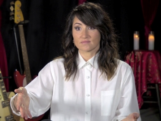 3 Generations: KT Tunstall On 'Fit In' (Featurette)