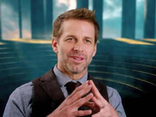 Wonder Woman: Zack Snyder On What Attracts People To Wonder Woman