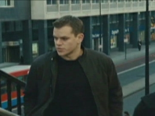 The Bourne Ultimatum Scene: Bourne Gives Ross A Cell Phone