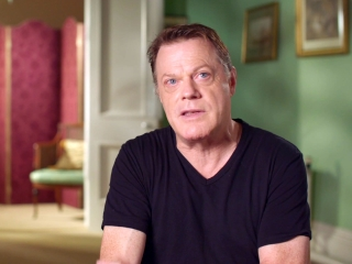 Victoria And Abdul: Eddie Izzard on Judi Dench's Portrayal of Queen Victoria