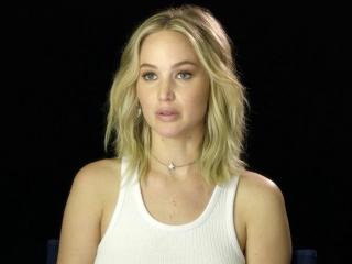 Mother!: Jennifer Lawrence On Working with Javier Bardem (International)