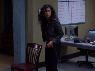 Brooklyn Nine-Nine: Charles, Rosa, And Terry Try To Get Through Security