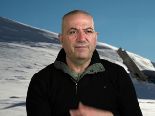 The Mountain Between Us: Hany Abu-Assad On the Stunts (International)
