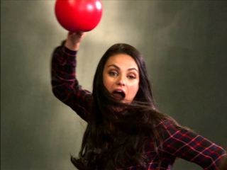 A Bad Moms Christmas: Dodgeball