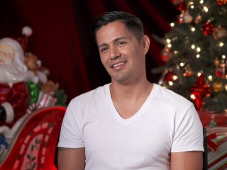 A Bad Moms Christmas: Jay Hernandez On The First Film Striking A Chord With Women