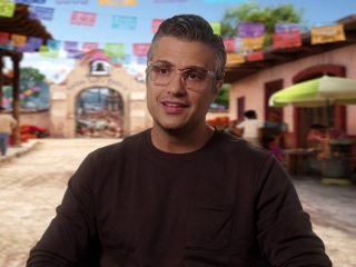 Coco: Jaime Camil On Getting Involved In The Film (Spanish)