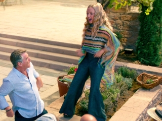 Mamma Mia! Here We Go Again: Sophie Sings 'Dancing Queen' With The Guests Arriving For The Party